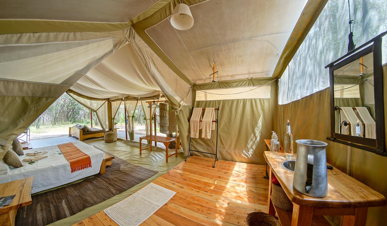 Superbe Naibor Camp, Main Naibor Room Image 2
